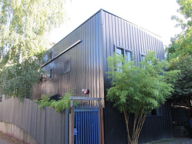 Pike / Pine Urban Oasis Unit C