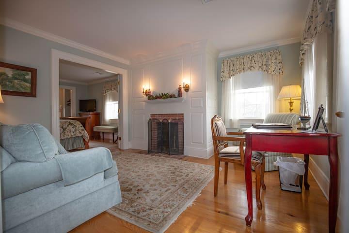 Compass Rose Inn - King Suite 5