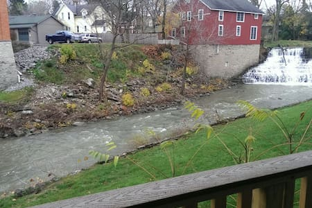 Waterfront falls view, prime! - Honeoye Falls