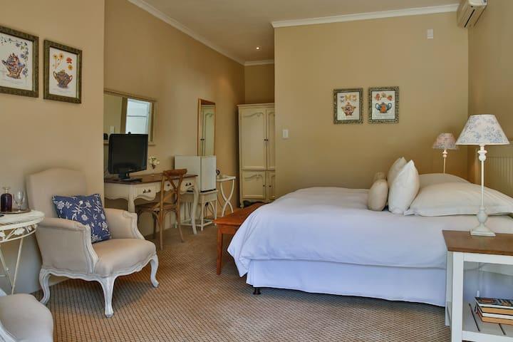 Vias Stay - Luxury Double Room 2