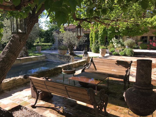Mazet in the heart of the Provence