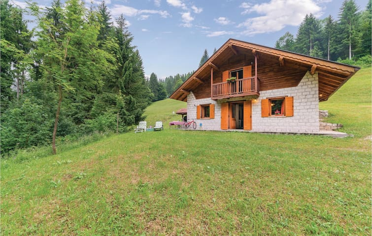 Holiday cottage with 3 bedrooms on 100m² in Sovramonte