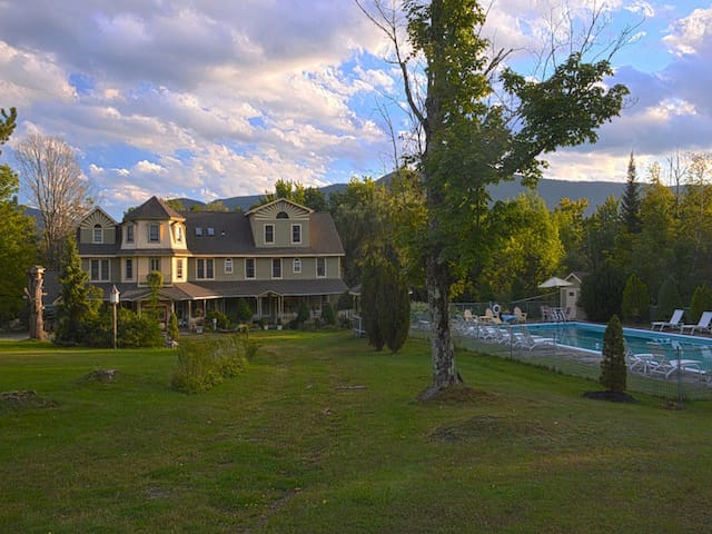 Washington Irving Inn- Cozy Catskill Cottage