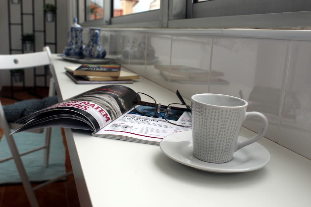 We will offer you our best coffee and tell you all about our food and wines!