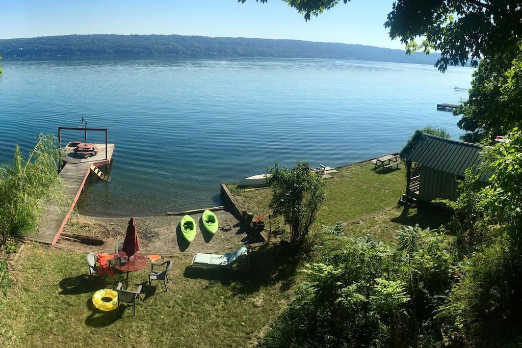 kayaks, dock and lake!