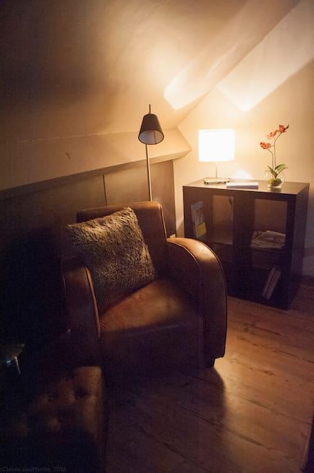 La suite de daphn avec jacuzzi sauna et hammam - Chambre avec jacuzzi privatif region parisienne ...