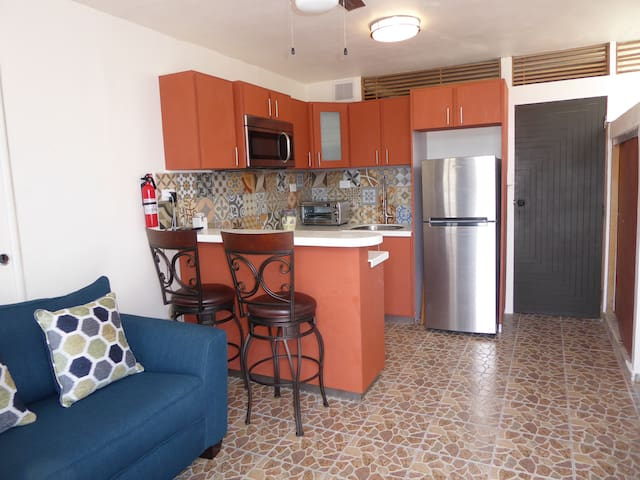 Ponce, Los Caobos cozy apartment with parking