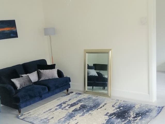Charming Apartment in City Centre-Uni- shopping