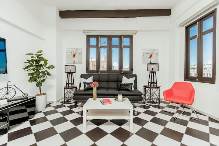 Mario's Old San Juan Flat | 1 Bedroom in best location in Old San Juan with Plaza View
