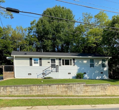 Spacious Bungalow in Downtown Mooresville