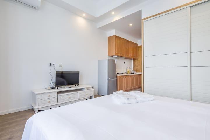 万达广场 汽车城 富越盈座一居公寓