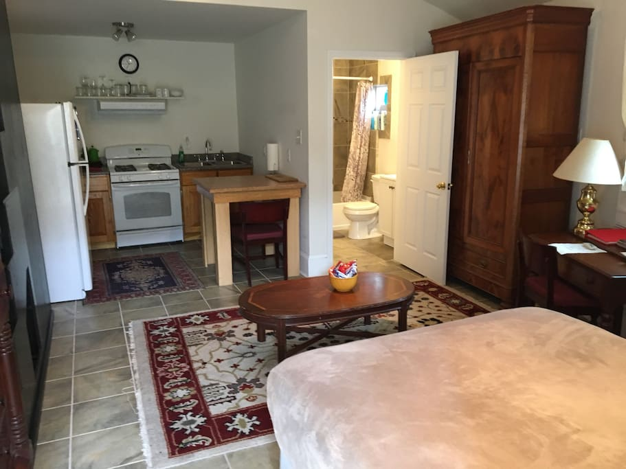 Studio apartment with loft near french quarter lofts for - 2 bedroom apartments in new orleans east ...