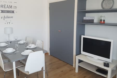 3 Bedroom near University. Free parking and wifi