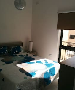 Double bedroom with AC - apartment - Wohnung