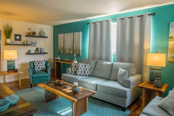 Newly remodeled condo- colorful, clean, charming