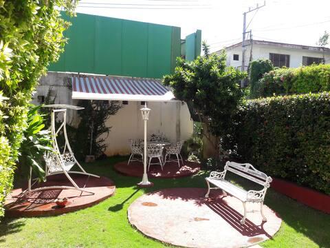 Residential rental house #2, Nuevo Vedado.