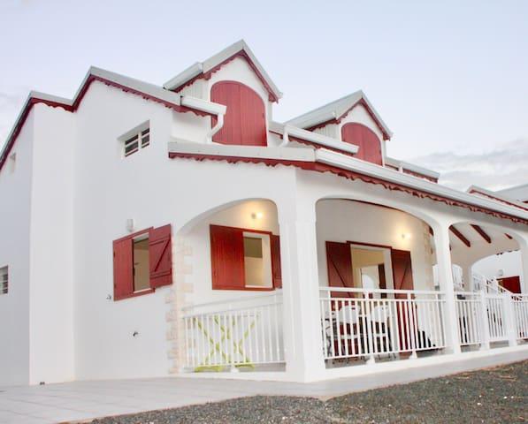 Villa Cocotier, parking, clôturée, proche plage