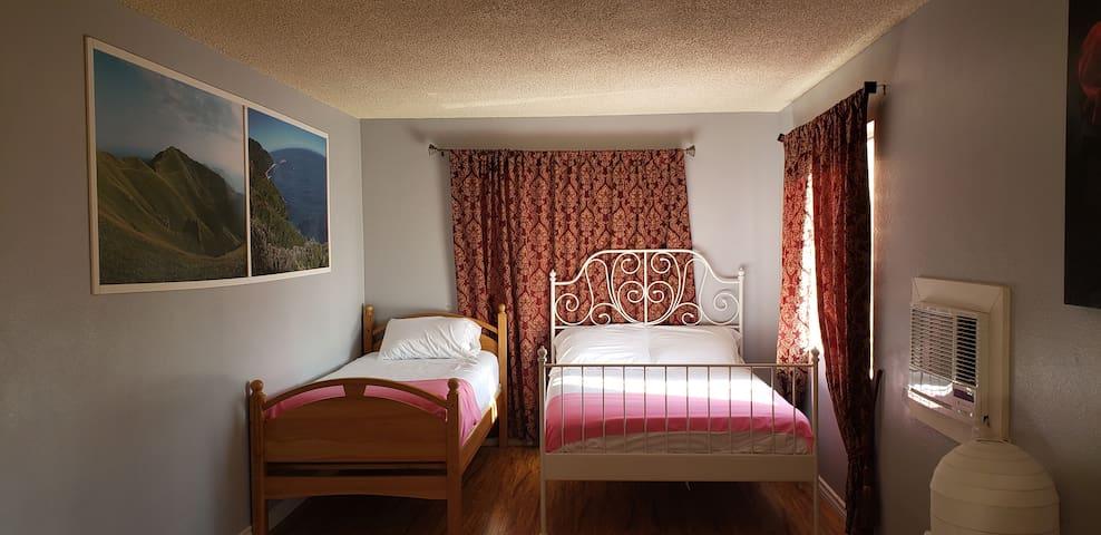 1 bedroom Apartment=Flower#8