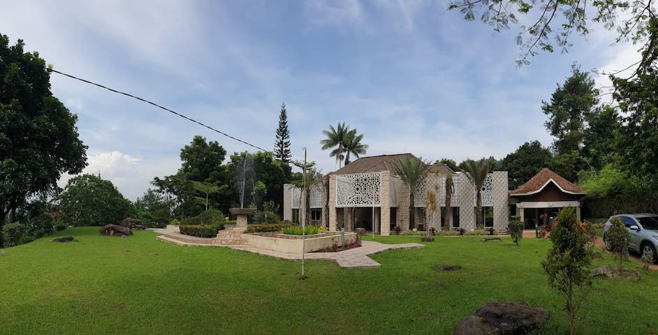 Al Nafoura Executive Villa