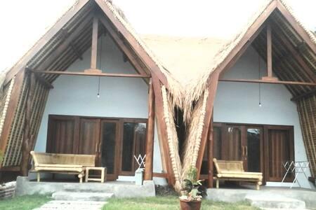 Palmgreenhomestay bamboo - Pujut - Bed & Breakfast
