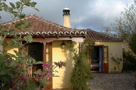 Charmantes  kanar. Landhaus mit traumhaftem Blick - Puntagorda