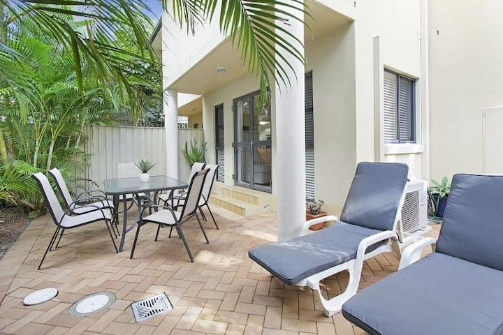 The Pines Unit 5 - perfect position to enjoy Manly