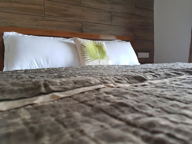 Woodstone Bed Closeup