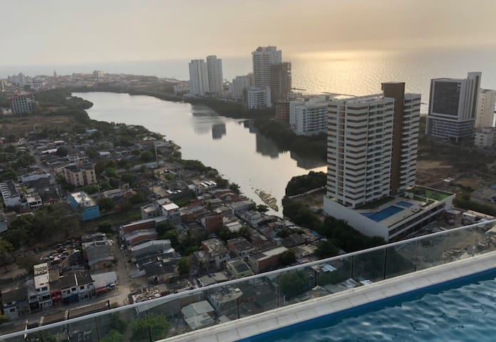 Cartagena con terraza hamacas piscina y playa 6