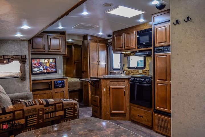 River Front 30 foot Travel Trailer