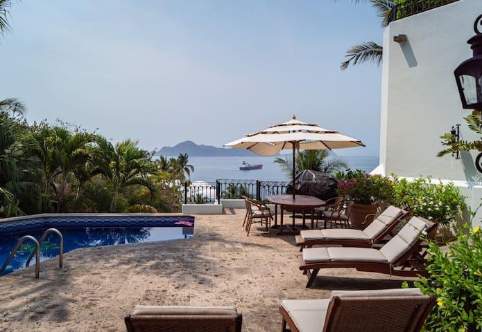 Lujosa Villa Frac. La Punta, Manzanillo