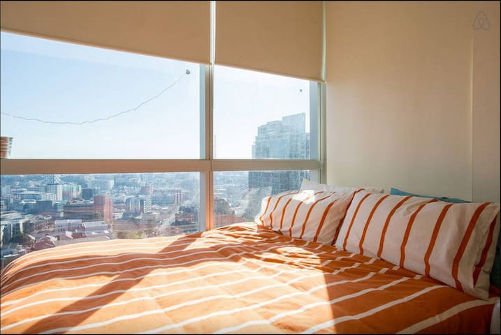 28th Floor Private Rm - Best Location in CBD - QV
