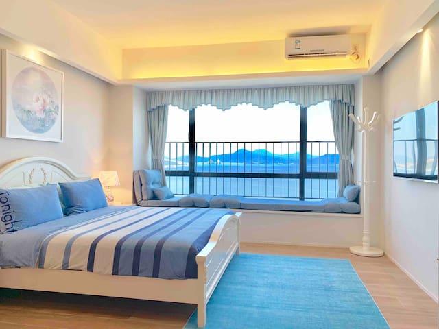 藍色主題王子臥室: 至享觀海窗台   Prince Blue Bedroom: Extreme Seaview Windowsill