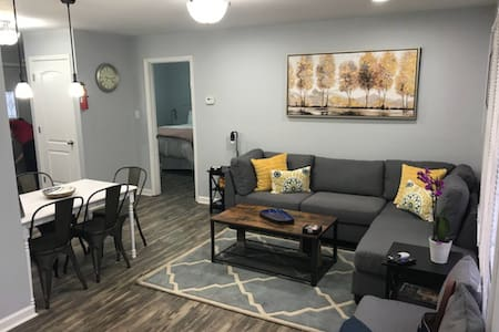 IU stadium house (3bd/1bath)