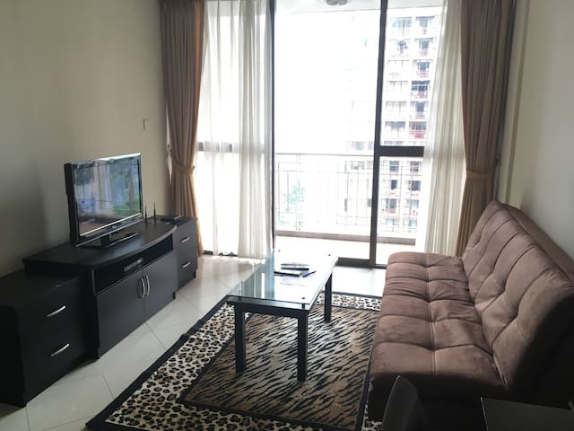 Nice & Spacious 2 beds Apartment in South Jakarta - Setiabudi - Leilighet