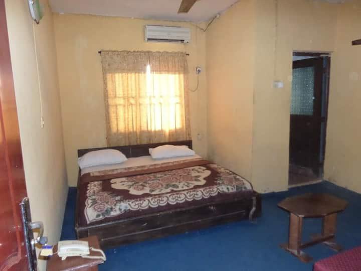 Keblat Suites-Deluxe Room