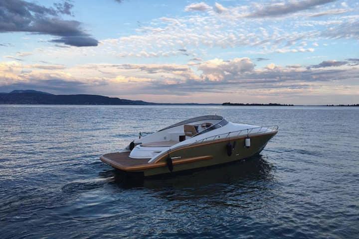 Soggiorno in barca 'Golden Boat' sul Lago Di Garda