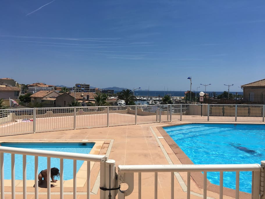 studio 20m2 piscine terrasse condominiums for rent in