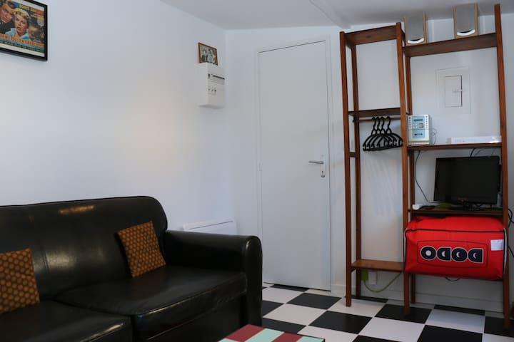 Le salon -  chambre / TV, internet, chaine hifi