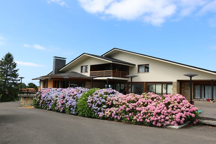 Extraordinary country house! Ideal for families!