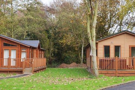 2 Bedroom Luxury Lodge at Norfolk Park - Alpehytte