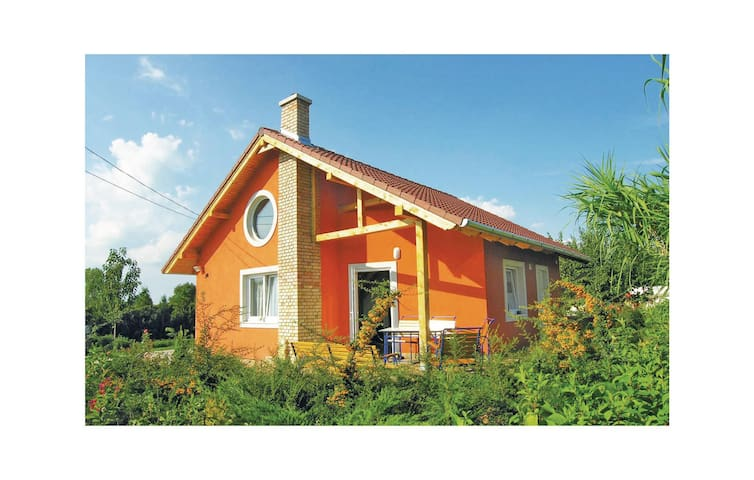 Holiday cottage with 2 bedrooms on 70m² in Balatonszabadi
