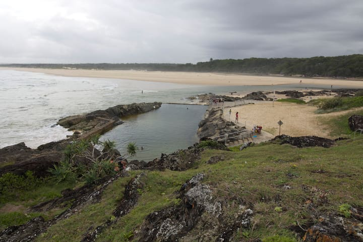 Sawtell rock pool to the east