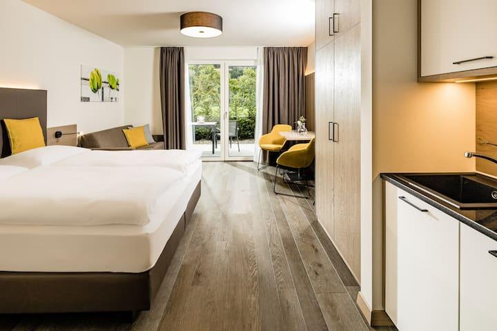 Double Deluxe Room mit Terrasse bei Meran