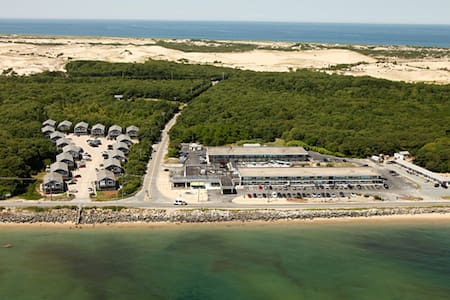 Huge 2BR - steps to beach, parking, porch, W/D, AC - Provincetown - 公寓