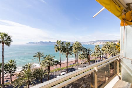 Business and Holiday trip in front of the beach - Cannes
