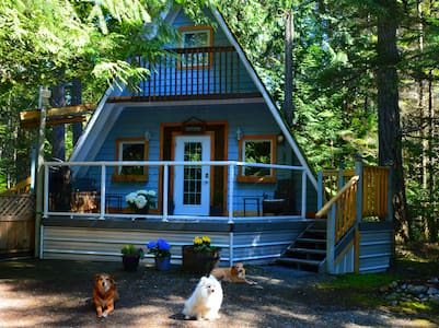 Stone's Throw Cottage Retreat - Qualicum Beach - Kisház