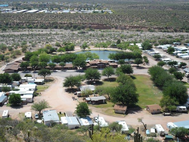 Roomy Kitchenette Cabin Garden View, Roosevelt, AZ - Roosevelt