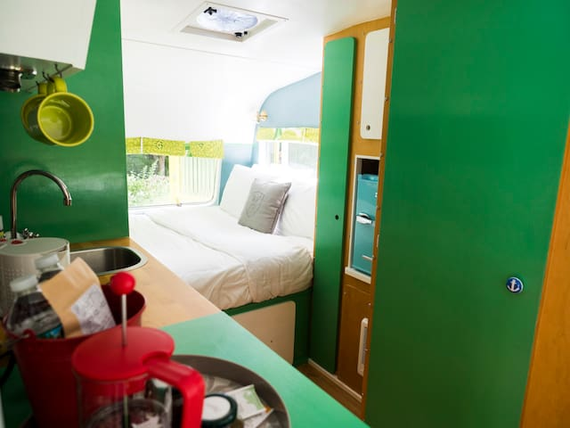 Tuck in for the night in Harry the Caravan
