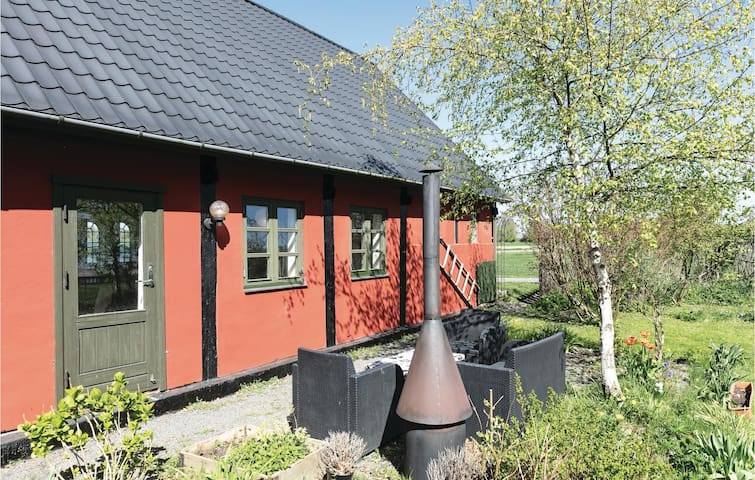 Former farm house with 2 bedrooms on 61m² in Østermarie