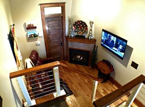 The Lewis de Mun Suite in Downtown Pocahontas